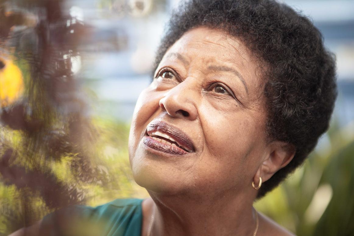 Dona Iolanda: Vivacidade e Coragem na Luta Social