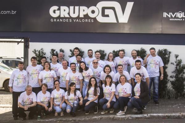 Grupo Grandes Valores Apresenta Novo Posicionamento Interno a Colaboradores